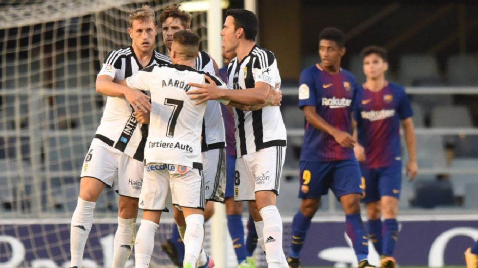 Carlos, Verdés, Aarón y Folch celebrando el 1-1