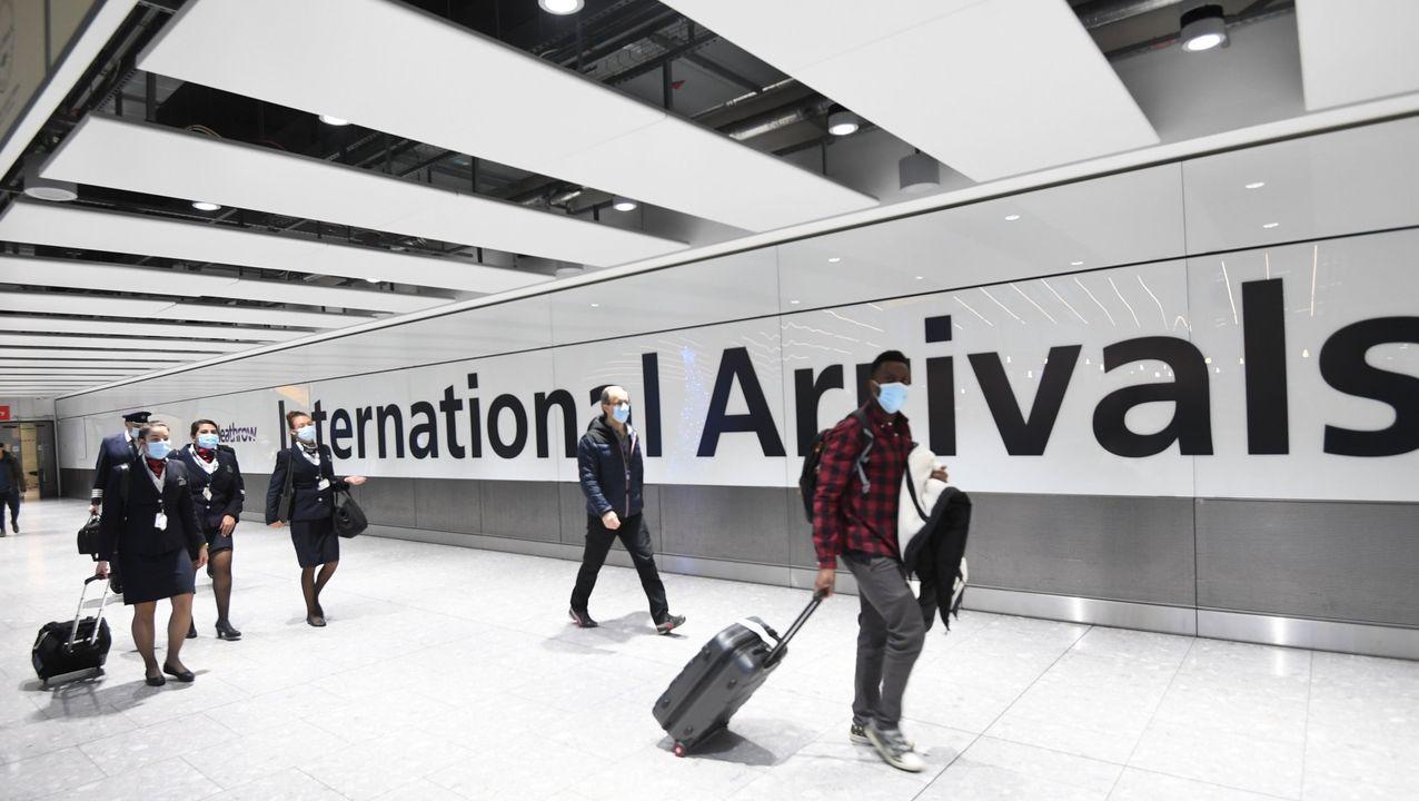 Pasajeros en el aeropuerto de Heathrow, en Londres, el pasado día 21