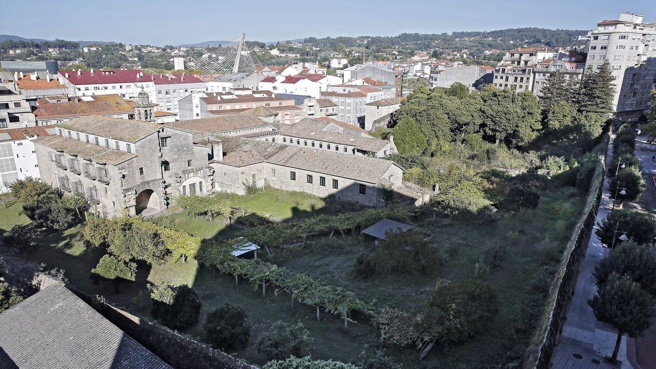 Entramos en el convento de clausura de Santa Clara.Exterior del convento de Santa Clara, en el centro de la ciudad de Pontevedra