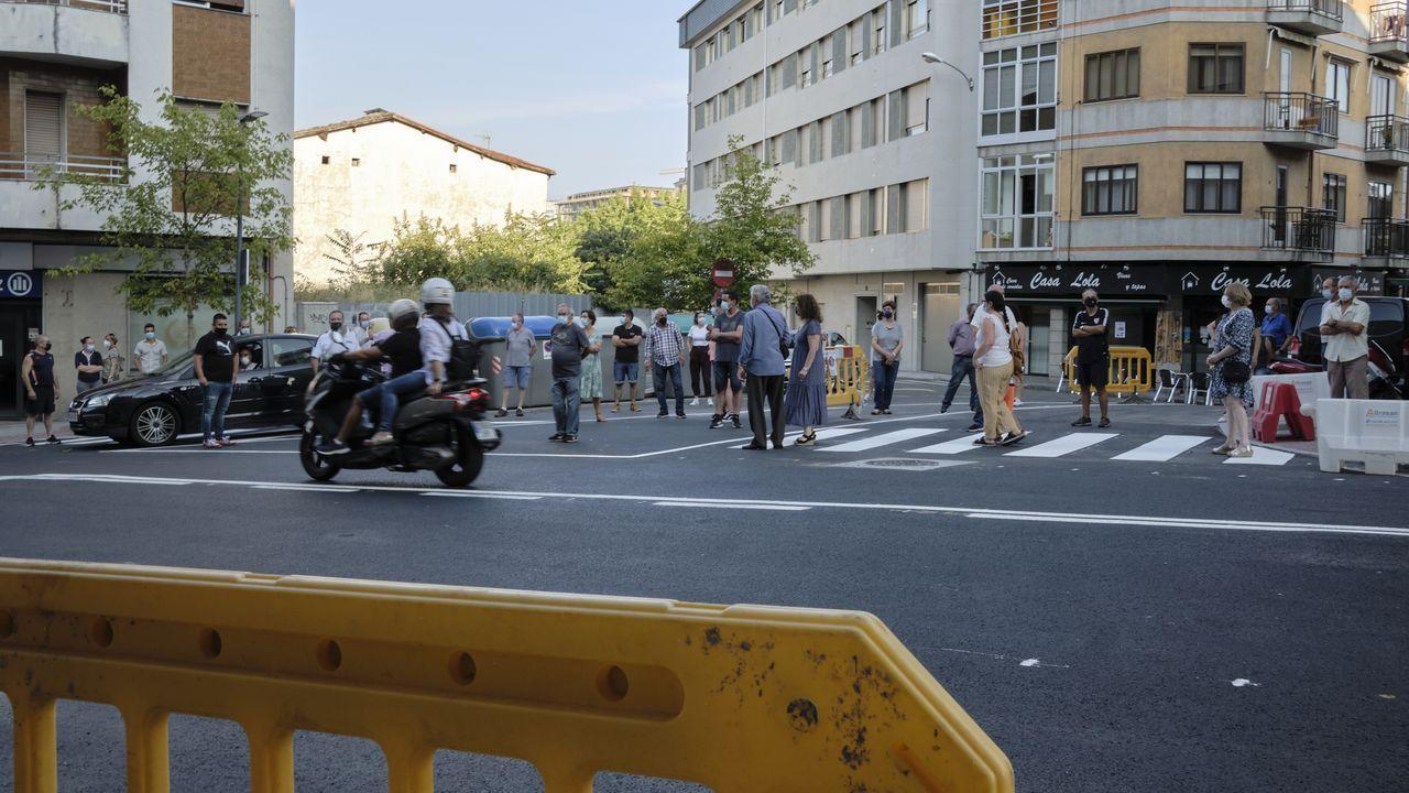 Protesta de vecinos en la calle Marcelo Macías por la señalización de tráfico