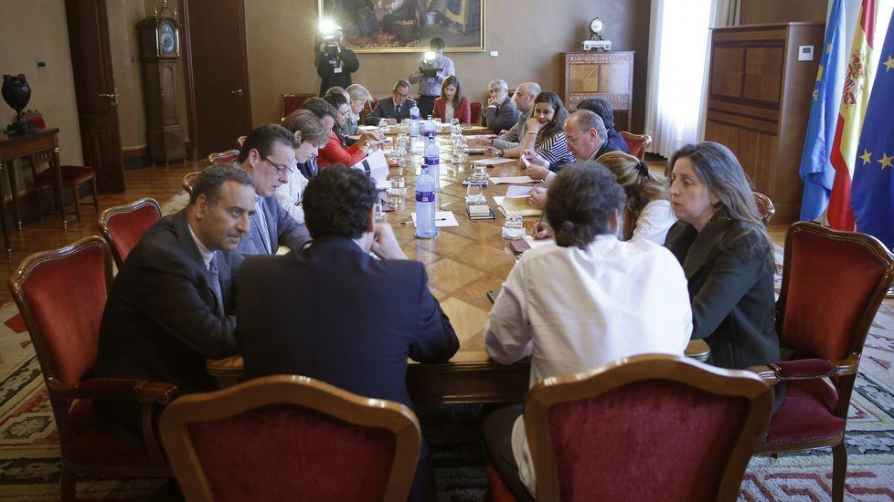 El secretario general de Foro Asturias, Francisco Álvarez-Cascos; junto a Cristina Coto e Isidro Martínez Oblanca.Reunión de la Junta de Portavoces