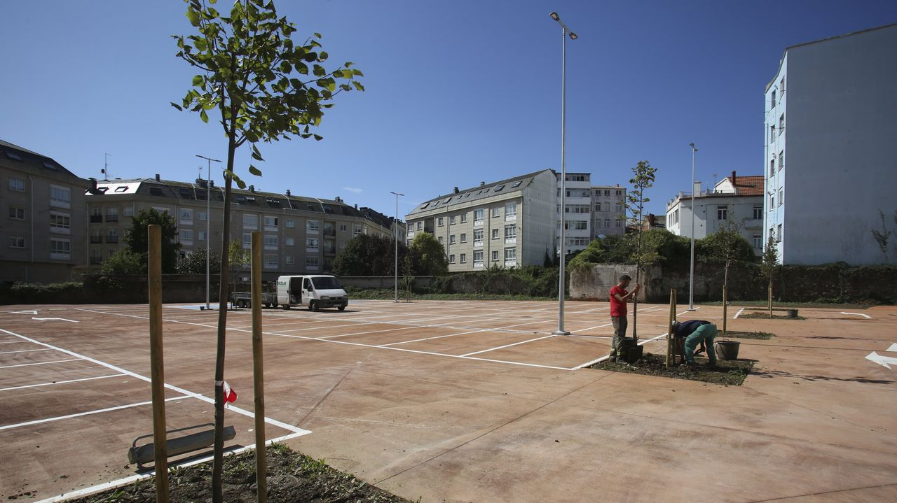 Obras de ampliación del paso de la calle Nicolás Soria, en el barrio ovetense de Ciudad Naranco
