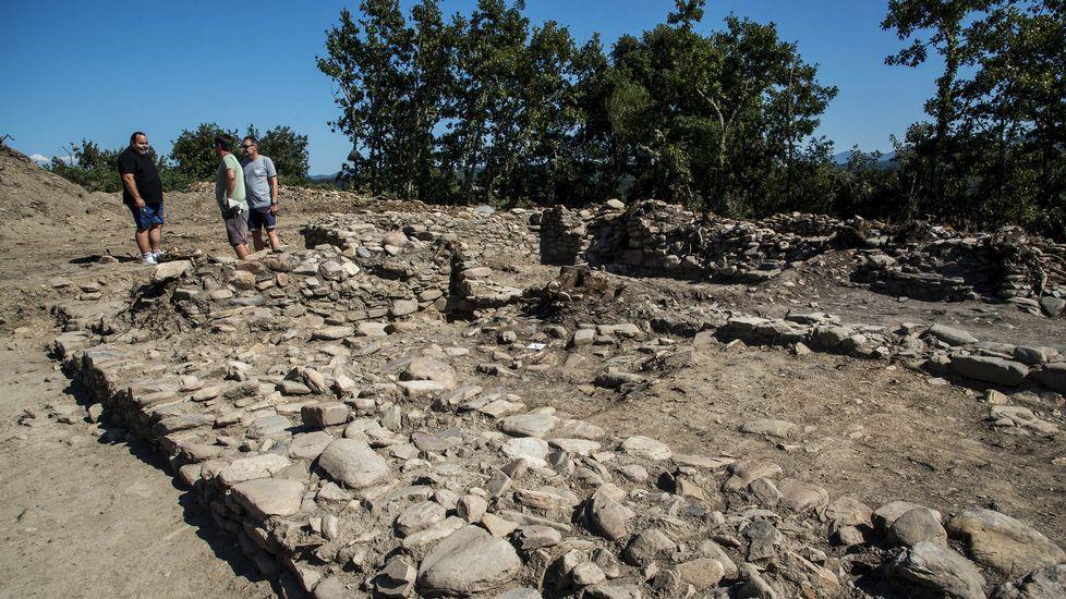 Exaltación de carne en Montederramo.La primera campaña de excavaciones en el castro de San Lourenzo de Cereixa, en A Pobra do Brollón, hizo que saliesen a la la luz restros de antiguas construcciones