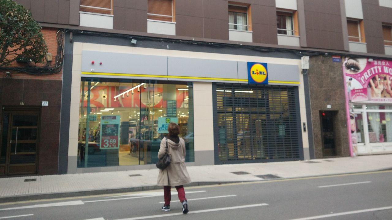 Lidl en la calle de Pérez de Ayala, en Gijón.Nueva tienda de Lidl en El Llano