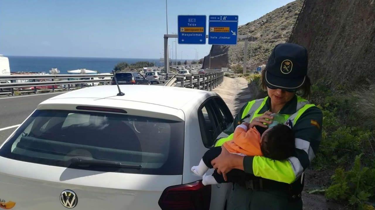 Linares Real Oviedo Reus Carlos Tartiere.Rosario tuvo que atender al bebé de una pareja marroquí cuando el hombre se indispuso al volante