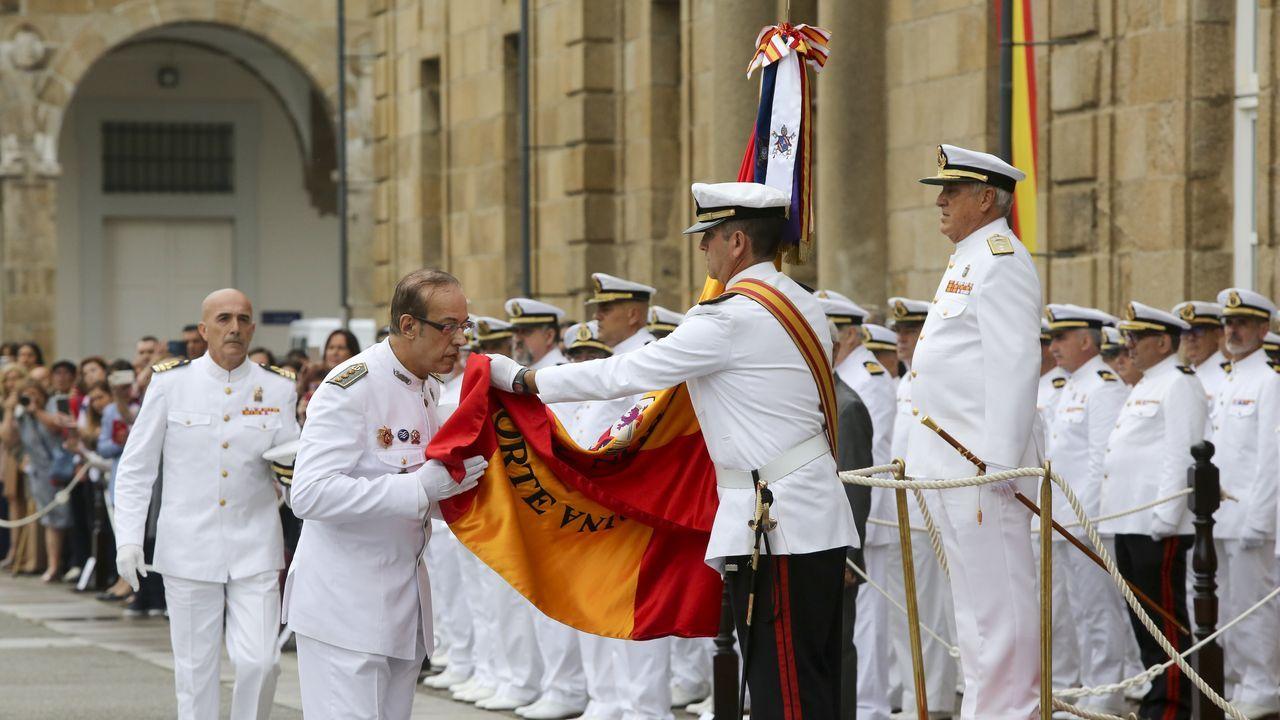 Emotivo homenaje en Ferrol al personal de la Armada que pasa a la reserva
