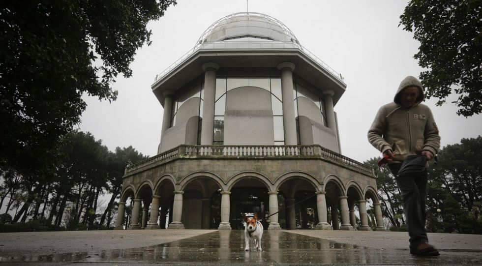 El planetario corona la Casa de las Ciencias en lo alto de Santa Margarita, que con los años ha pasado de monte a parque.