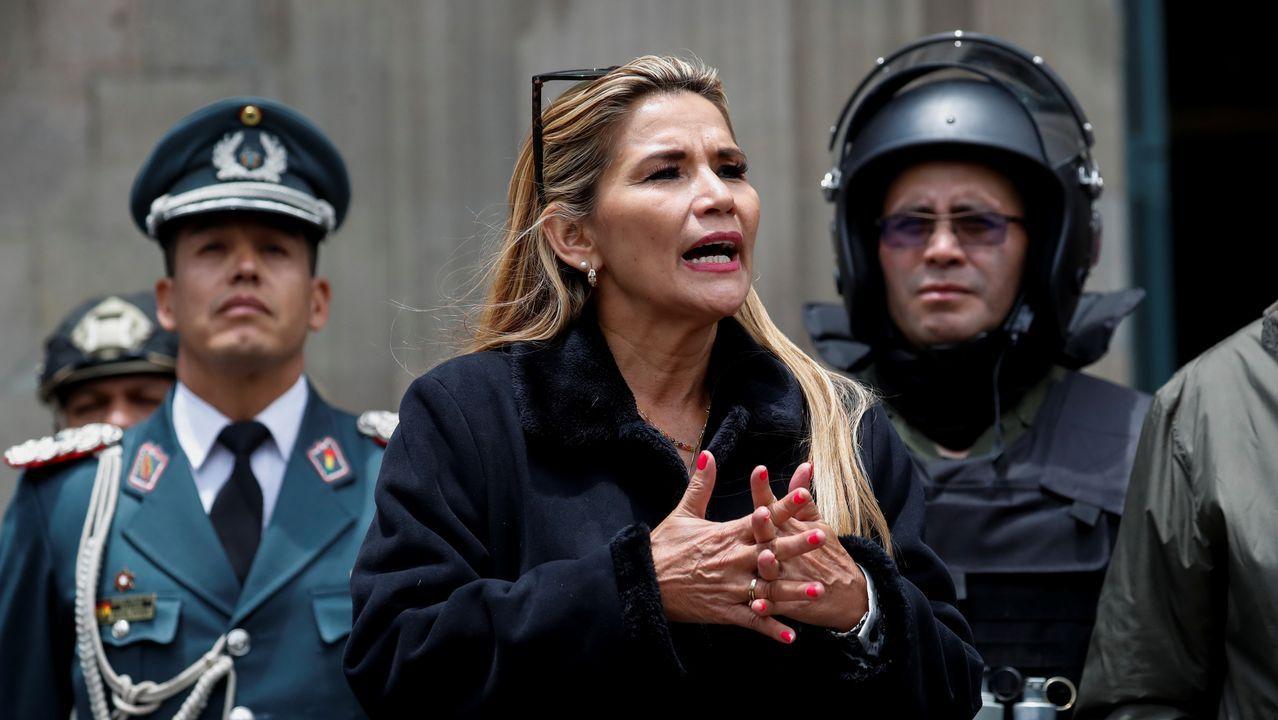 La senadora opositora Jeanine Áñez llegó a La Paz desde la región amazónica de Beni como la única salida al vacío de poder dejado por la renuncia de Morales