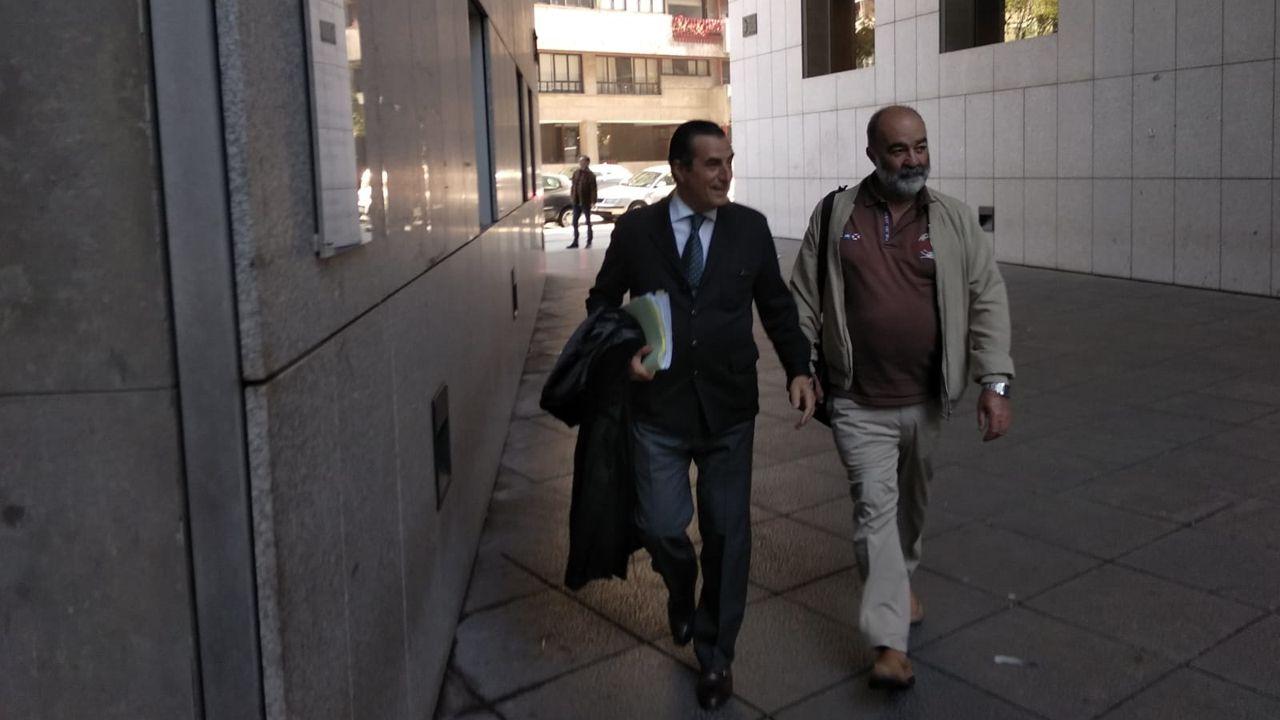 El abogado Víctor Tartiere junto al exgerente del Serida Juan Luis Osoro