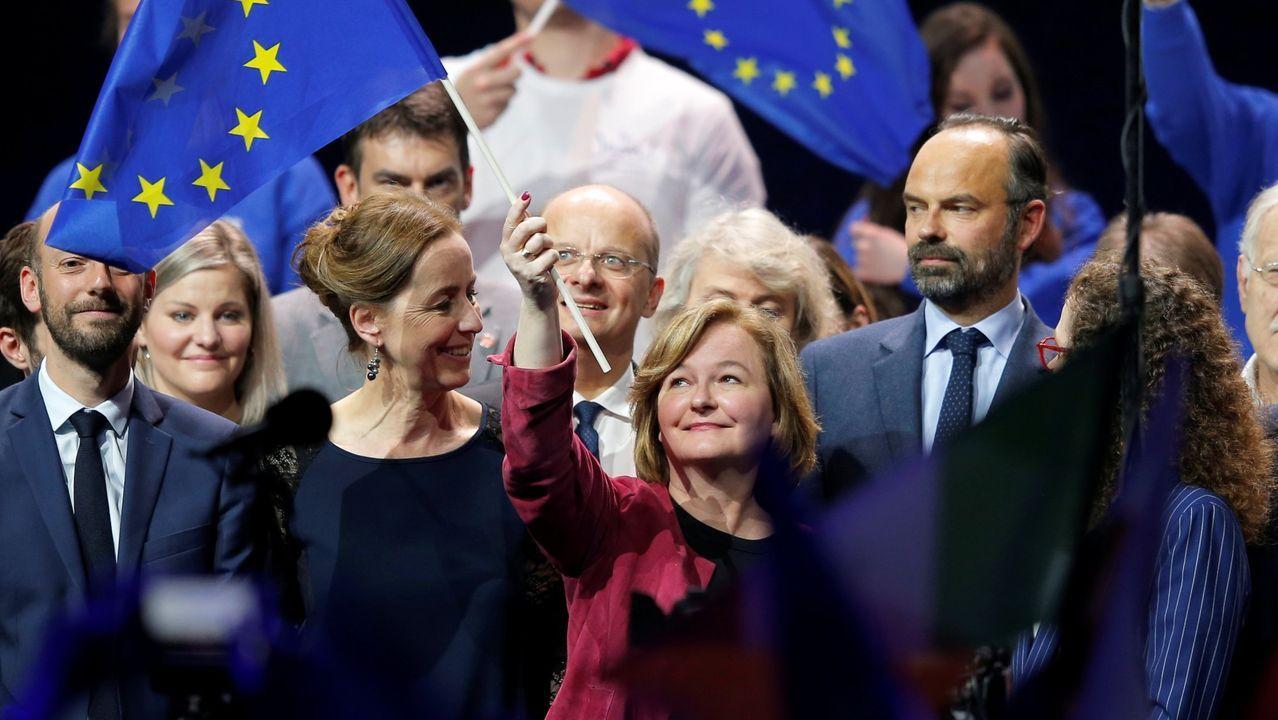 Aspirantes a dirigir los puestos más relevantes de la UE.Nathalie Loiseau (sosteniendo una bandera de la Unión) insultó a sus aliados europeos, según unas filtraciones del diario belga « Le Soir»