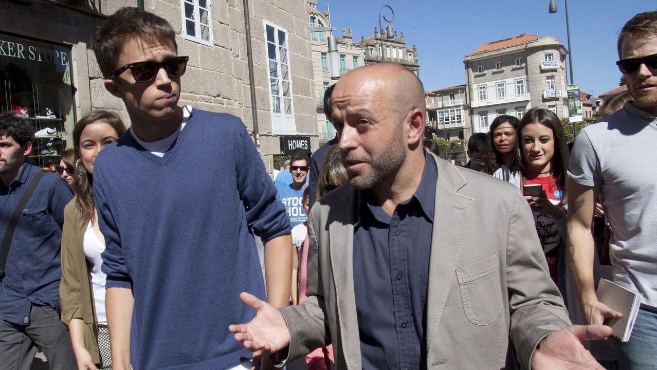 Pedro Sánchez y su asesor Iván Redondo salen del Congreso tras la fallida sesión de investidura