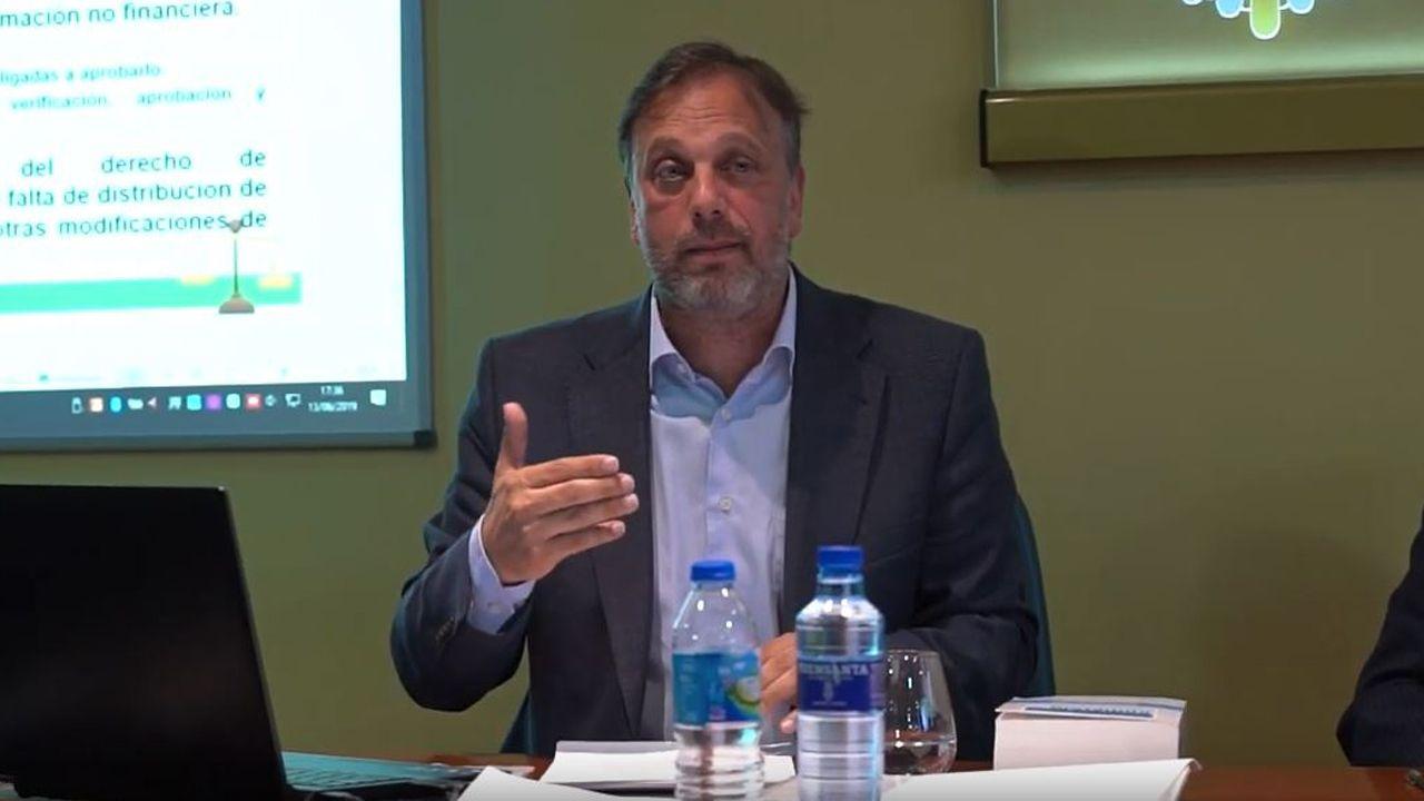 Rafael Abril Manso durante una mesa redonda