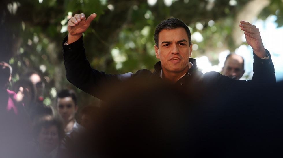 González carga contra Sánchez: «Me siento engañado... Me dijo que se abstendría».En un mitin reciente en Vilagarcía
