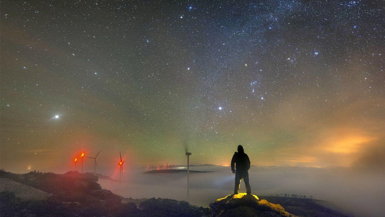 O raio azul captado polo fotógrafo Alfredo Madrigal en Loiba