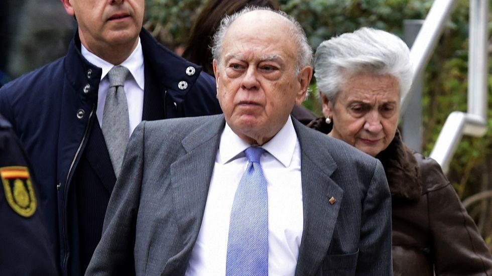 Jordi Pujol y su mujer, Marta Ferrusola, tras declarar en la Audiencia Nacional en febrero del 2016