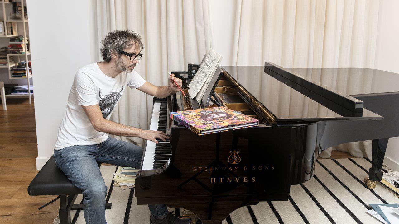 El pianista británico James Rhodes se dio a conocer en España con su libro autobiográfico «Instrumental»