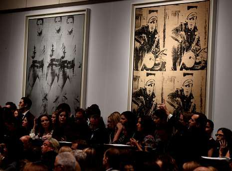 Las obras «Triple Elvis» y «Cuatro Marlons» de Warhol fueron las estrellas de la subasta.