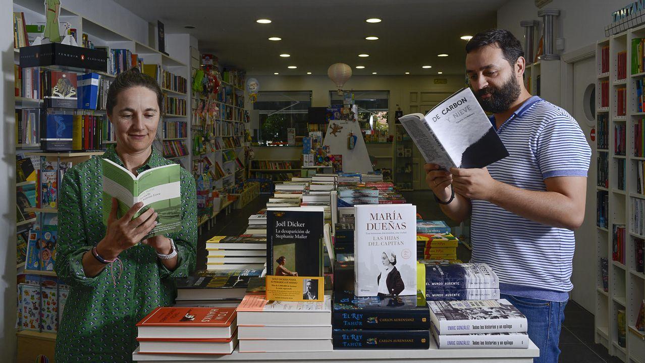Isa Rodríguez y Dani Berini, de Cantón 4, recomiendan dos libros para este verano: «Una noche con Sabrina Love», de Pedro Marial, y «De carbón y nieve», de Fra Molinero