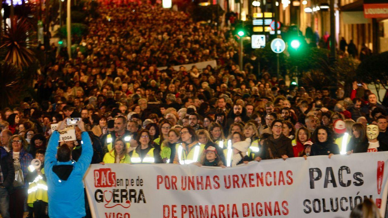 Mira aquí las imágenes de la manifestación del 1 de mayo en Ribeira.Mejor Espectáculo: ???Helladia o los cuerpos de Atalanta?, de Zig Zag Danza.?