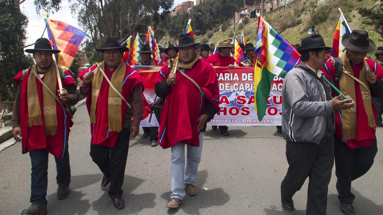 Los Ponchos Rojos presionan por que se convoquen nuevas elecciones en Bolivia