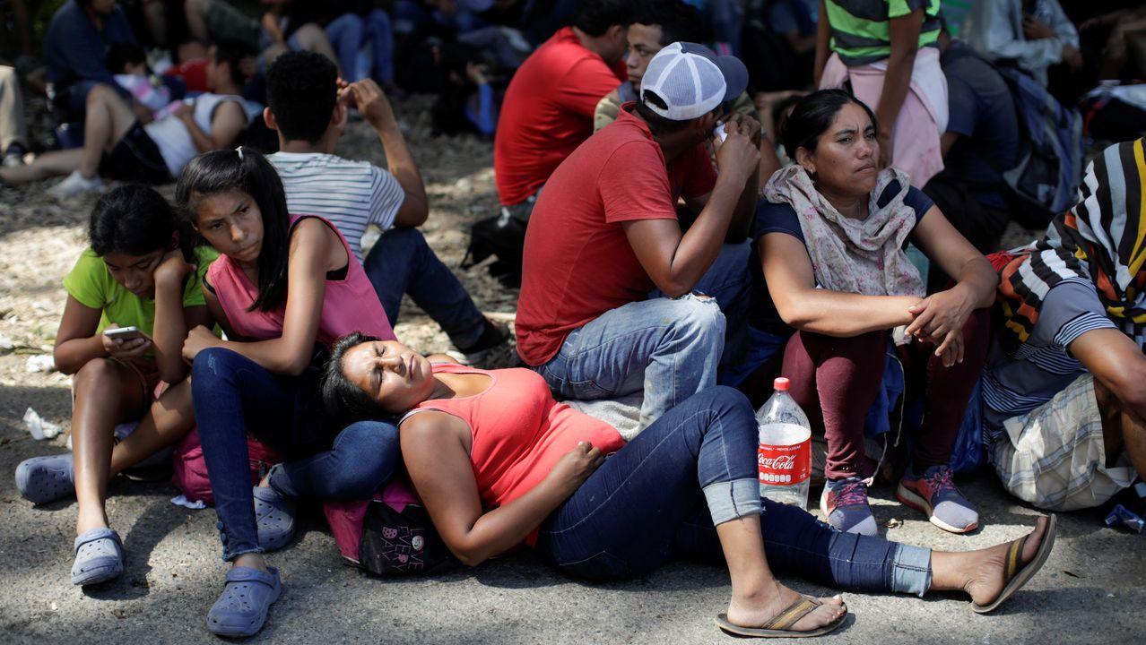 La caravana de migrantes centroamericanos se toma un descanso en Frontera Hidalgo (Chiapas)