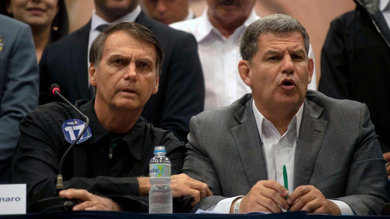  EFE.Bolsonaro nombró a Bebianno (derecha) como ministro de la Secretaría General de Presidencia