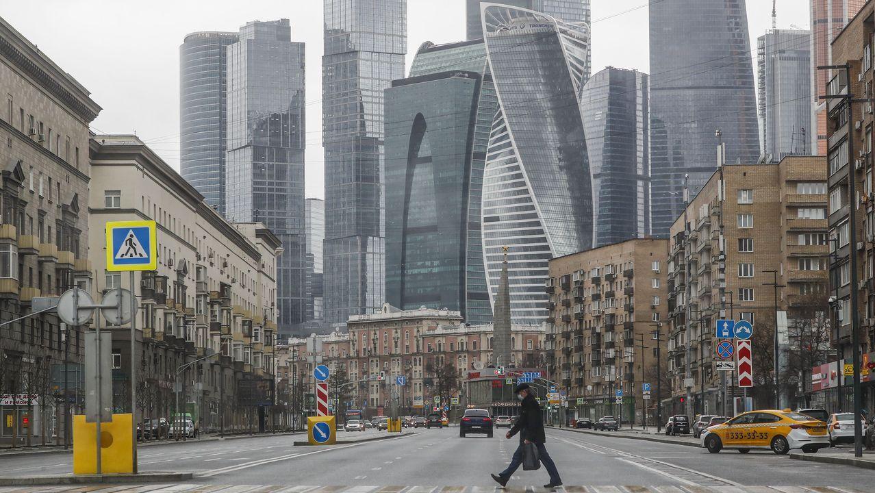Calles desiertas cerca del centro financiero de Moscú