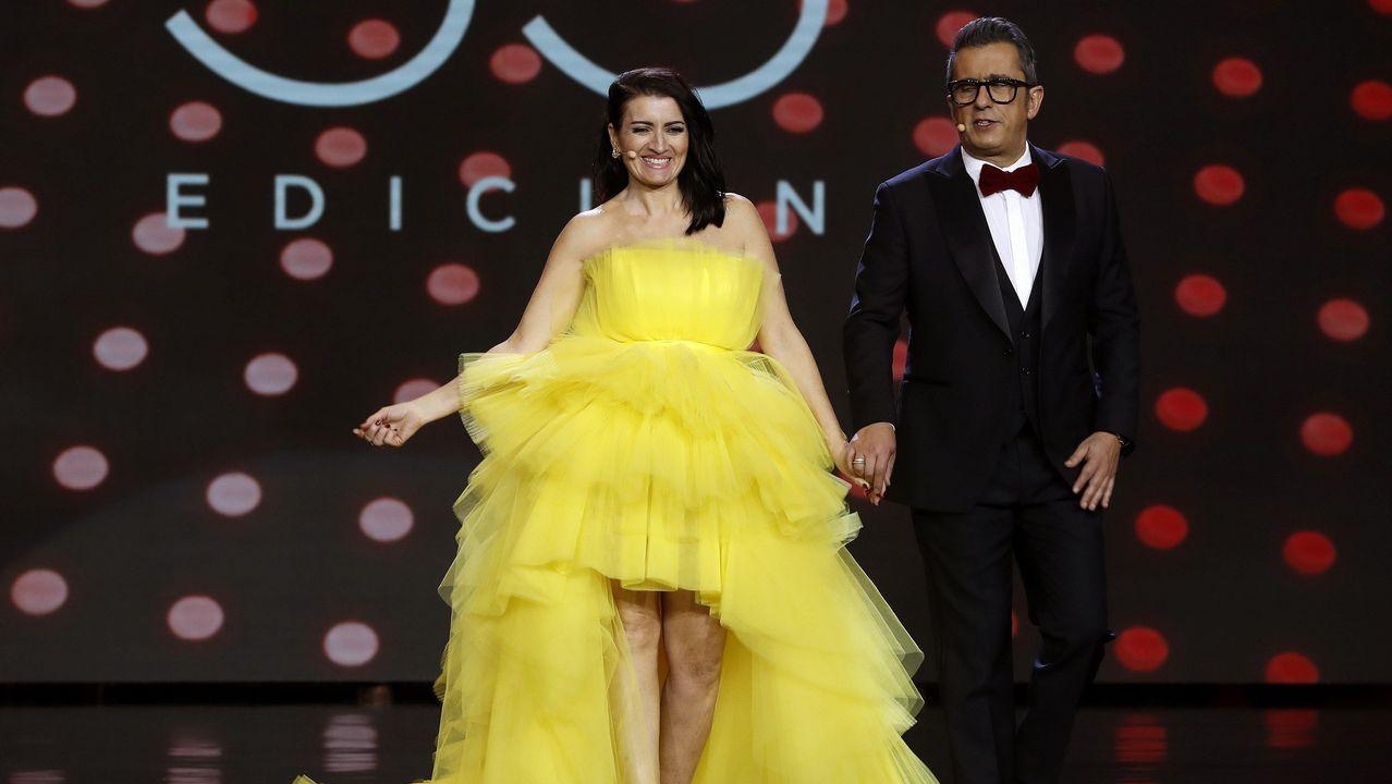Silvia Abril y Andreu Buenafuente, despidiendo la gala