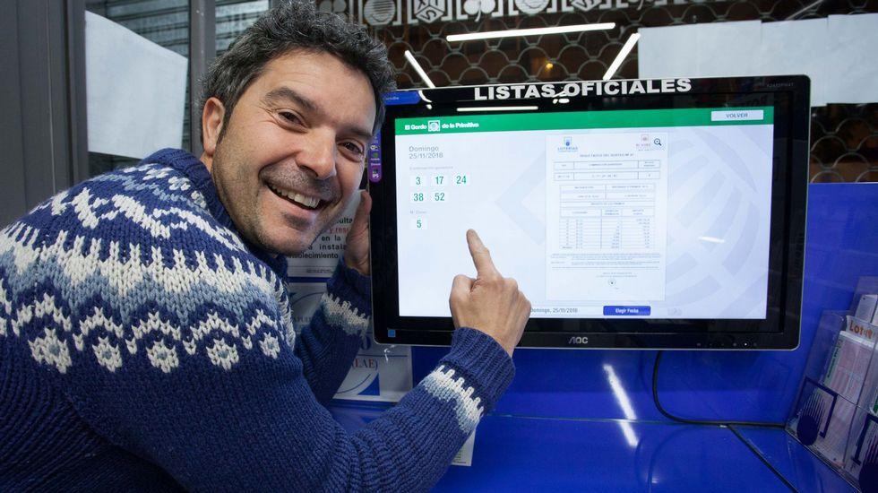 Fernando Toubes dueño de la librería Galicia
