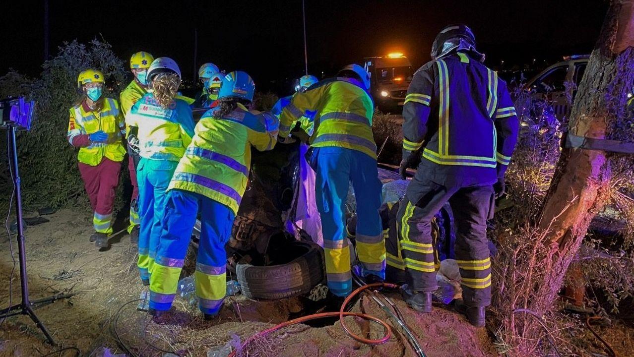 Se busca a las dos personas que huyeron a pie del accidente mortal.El director del Centro de Coordinación de Alertas y Emergencias Sanitarias (CCAES), Fernando Simón