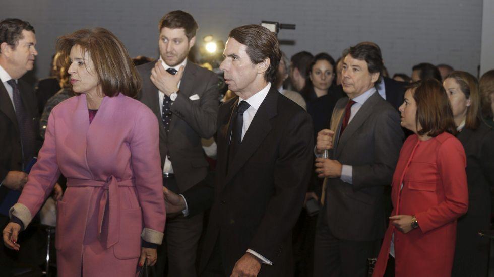 Ana Botella, el expresidente Aznar, el presidente de la Comunidad de Madrid, Ignacio González, y la vicepresidenta Sáenz de Santamaría.
