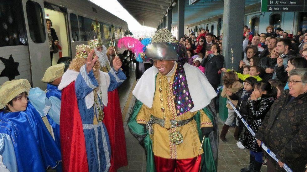 Los Reyes Magos siempre suelen llegar a Monforte en tren