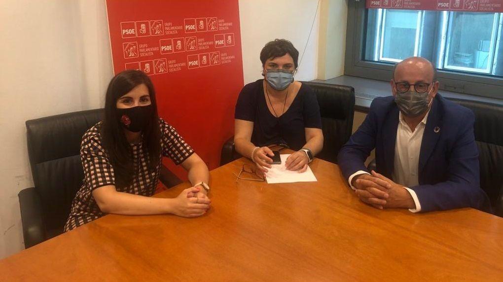 Reunión de representates del PSOE sobre el colectivo de emigrantes retornados