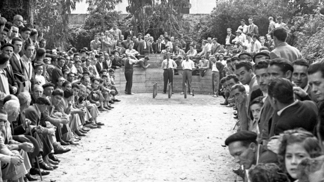 Así era el Gijón de los años 50.Concentración de la plataforma Atención Primaria en Marcha, en Gijón
