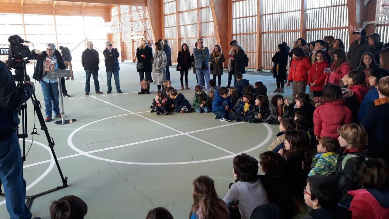 Un momento de la inauguración de la pista cubierta de Cimavilla