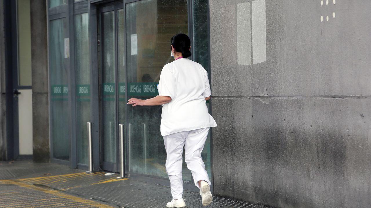 Entrada del servicio de Urgencias del Hospital Montecelo de Pontevedra