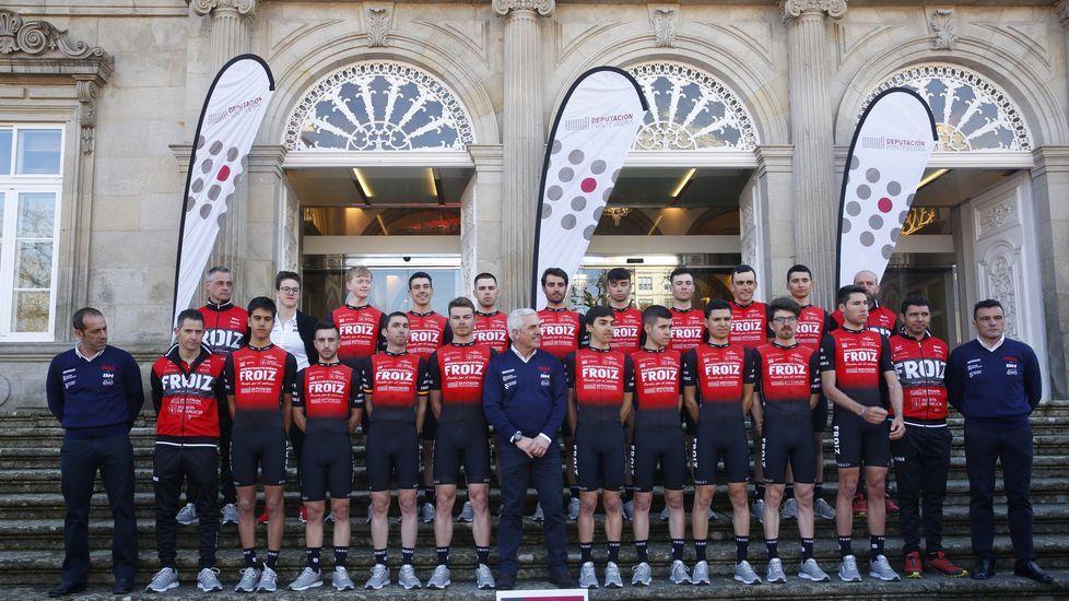 Las imágenes de la presentación del equipo de ciclismo Super Froiz