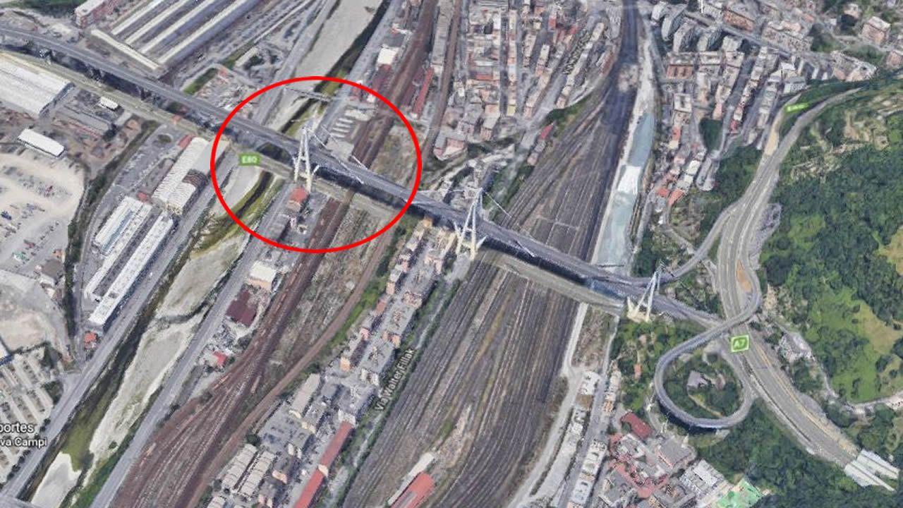 Tramo del puente Morandi que se ha derrumbado