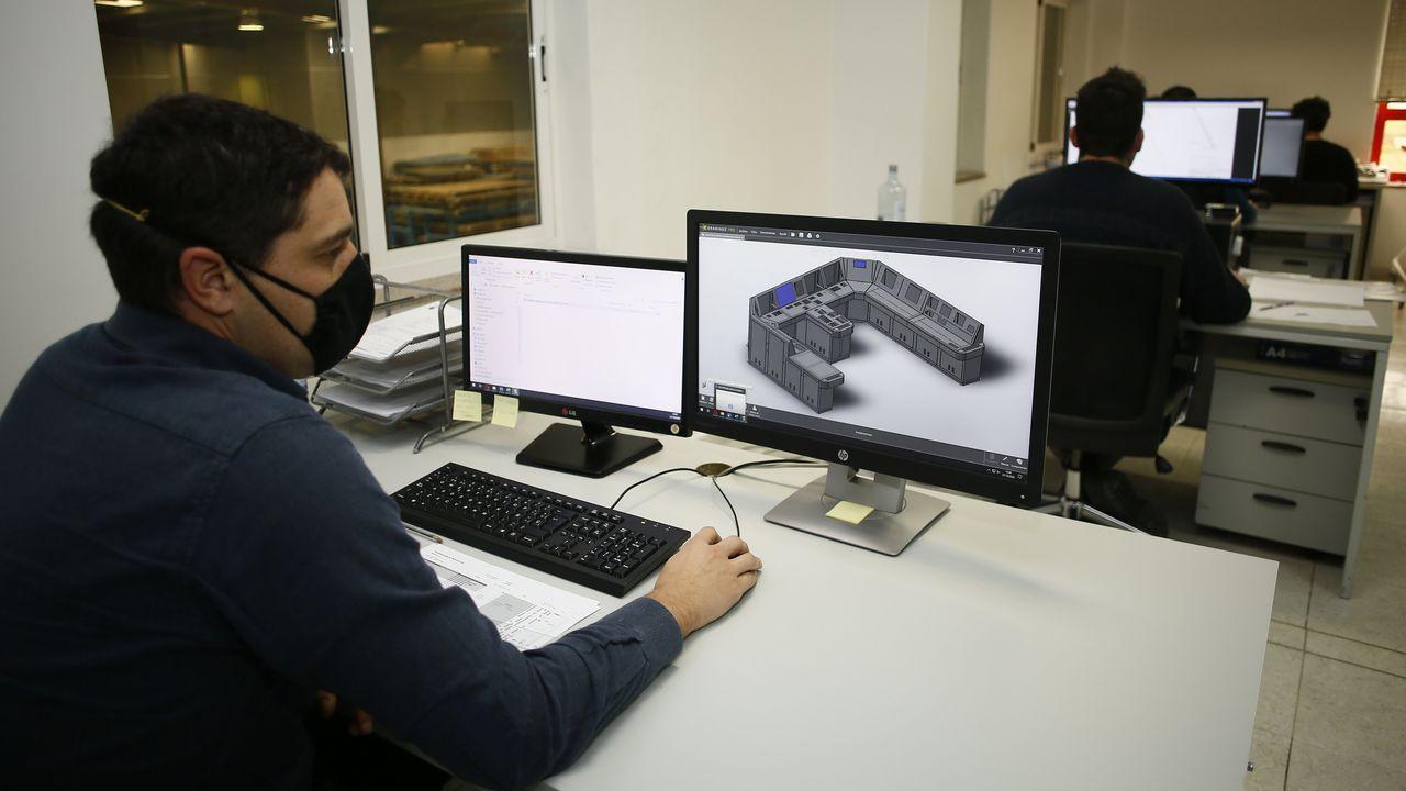 La oficina técnica y el laboratorio de i+D+I son claves para Electromecánicos Viveiro, al igual que la área de producción y los servicios de comercialización y post-venta