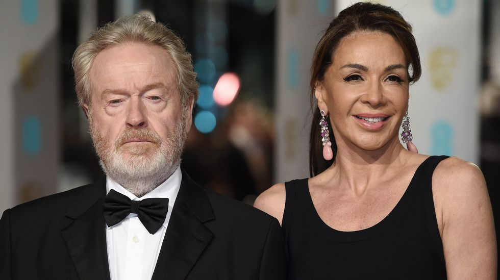 Ridley Scott y Giannina Facio.