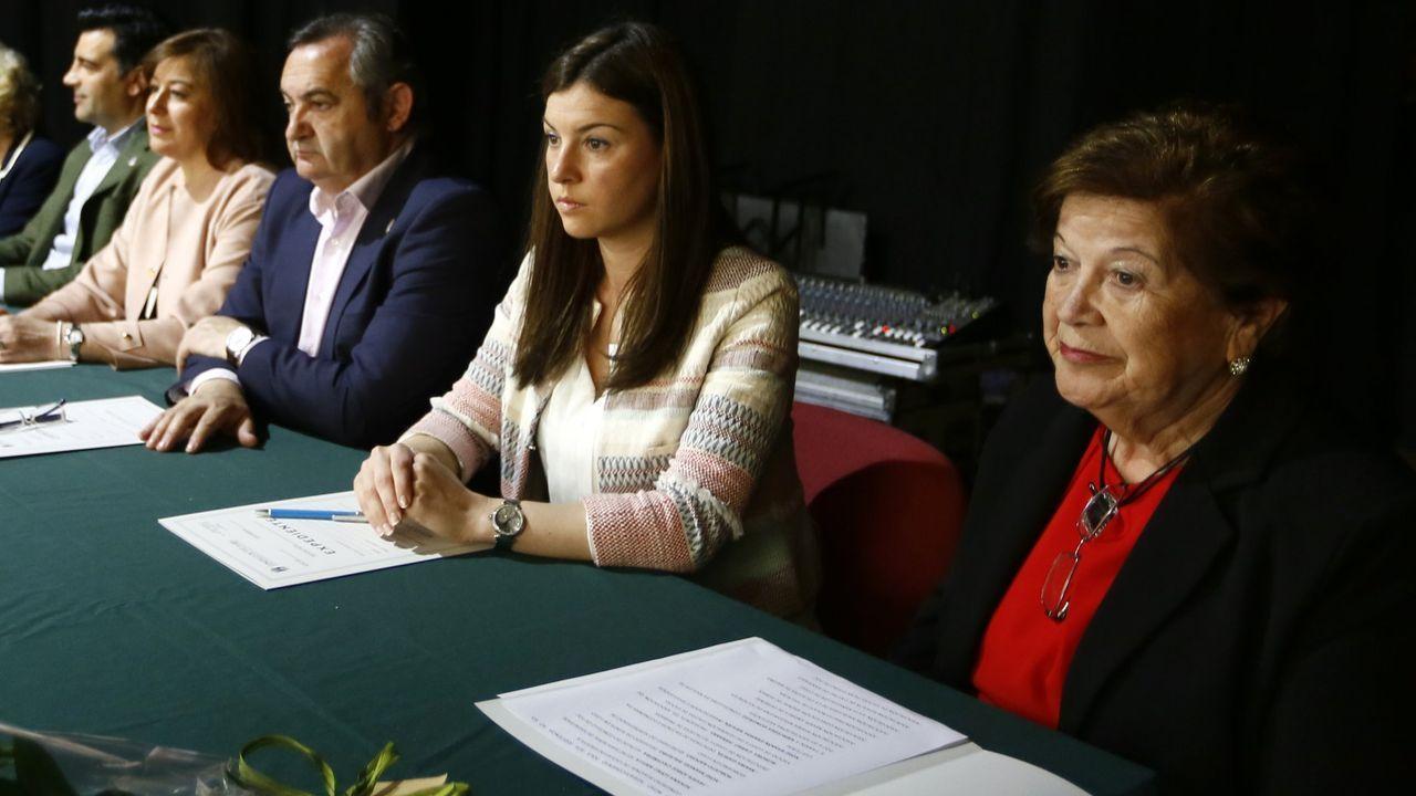 María Luisa Fernández, a la derecha, durante el Congreso Rexional de Viúvas celebrado en Foz en el año 2017