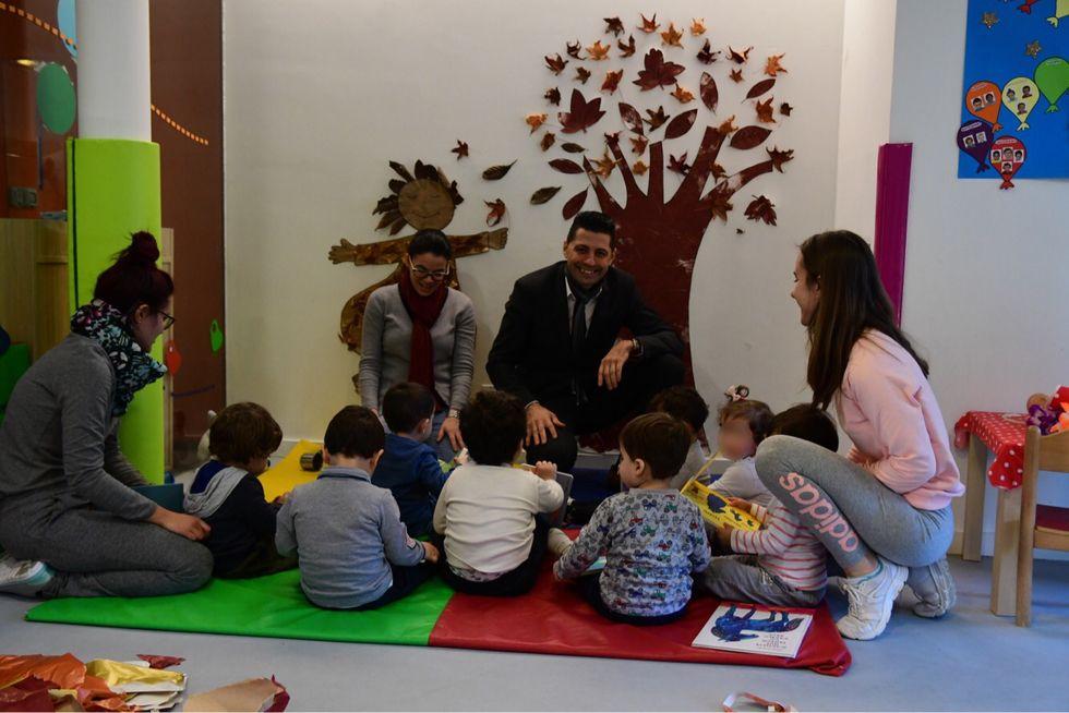 Así fue la inauguración del Salón do Libro Infantil.Vista general del mercado artesano y ecológico de Gijón