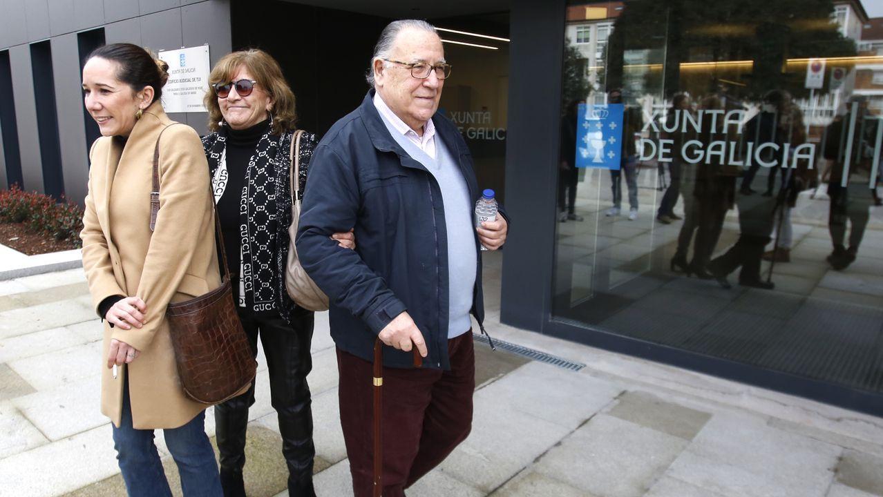 Familiares de Déborah en febrero de este año, antes de prestar declaración en el juzgado