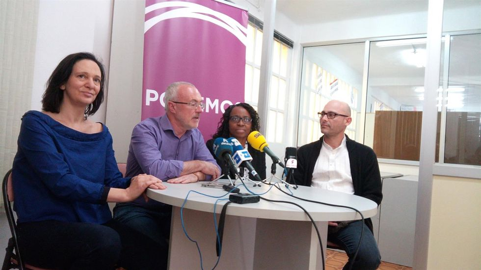 Bescansa: «Me gustaría un Podemos que hablase más a los españoles, que a los independentistas».Antonio Trevín y Vicente Álvarez Areces