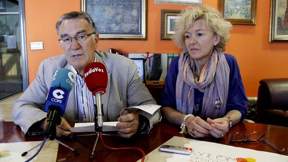 El alcalde, Alfredo García, y la concejala de promoción económica, Irene Dacal, en la presentación de esta mañana