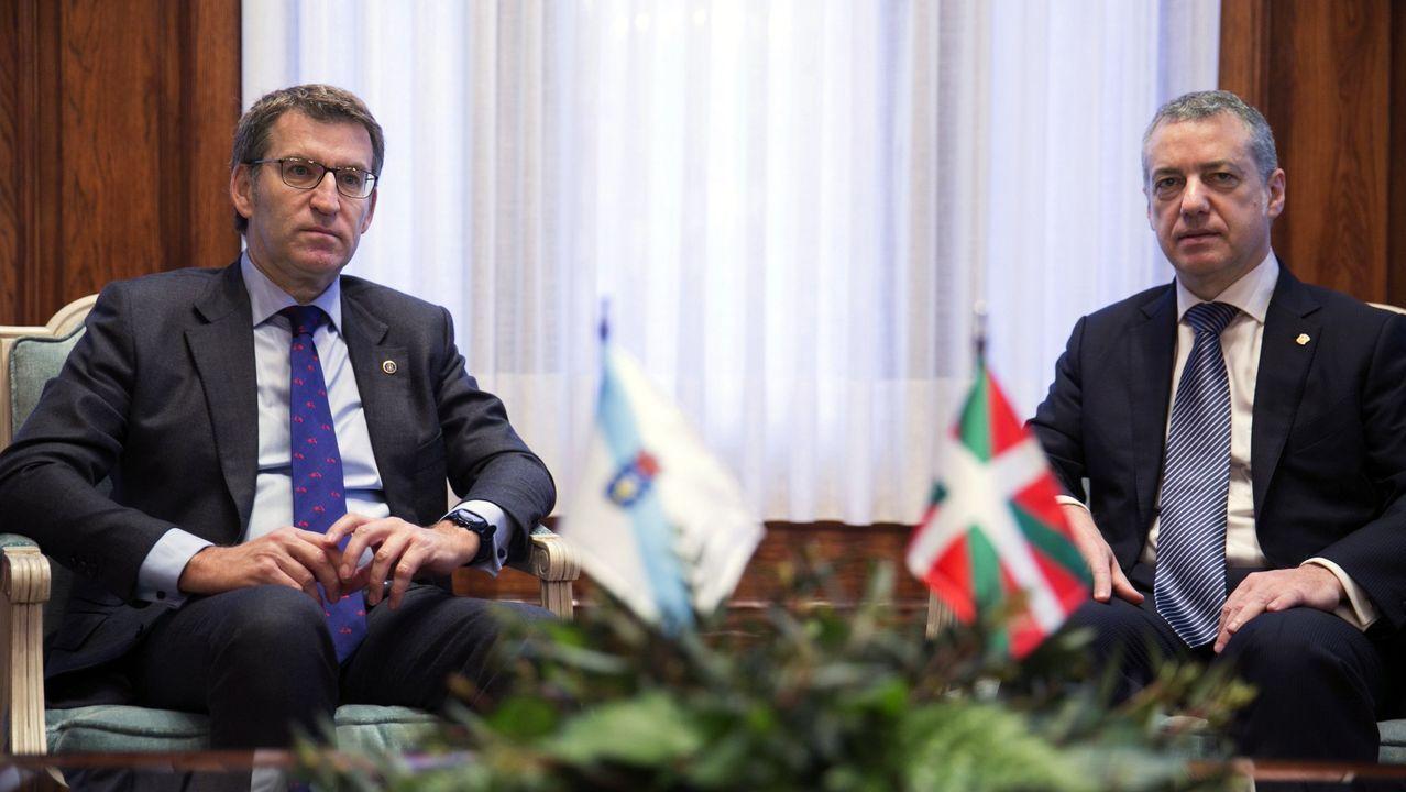 Sánchez comparece tras plantear a los presidentes autonómicos una nueva prórroga.Pere Aragonès (ERC) y Quim Torra (JxCat), este miércoles, en el pleno del Parlamento de Catalán