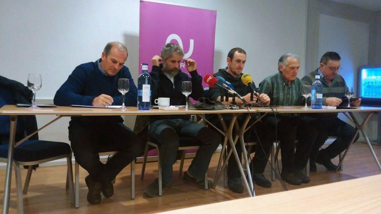 Responsables de Asturias Ganadera en una rueda de prensa