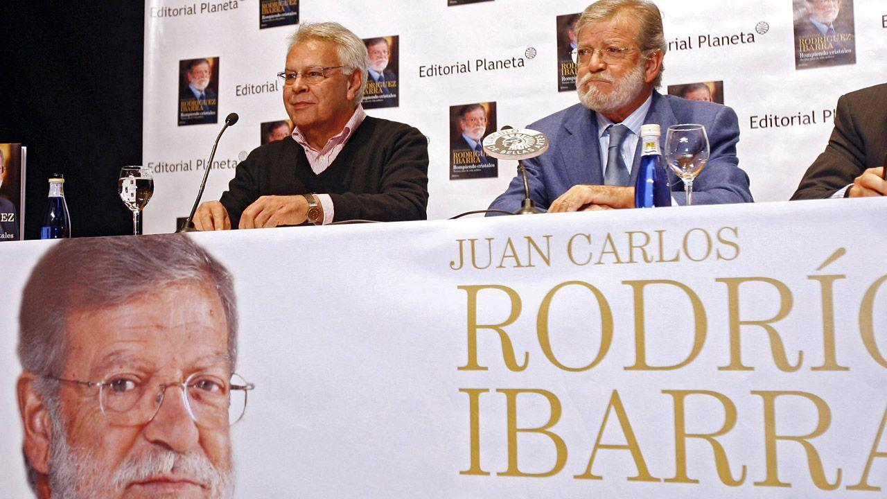 Juan Carlos Rodríguez Ibarra, junto a Felipe González, en la presentación de un libro.Juan Carlos Rodríguez Ibarra, junto a Felipe González, en la presentación de un libro