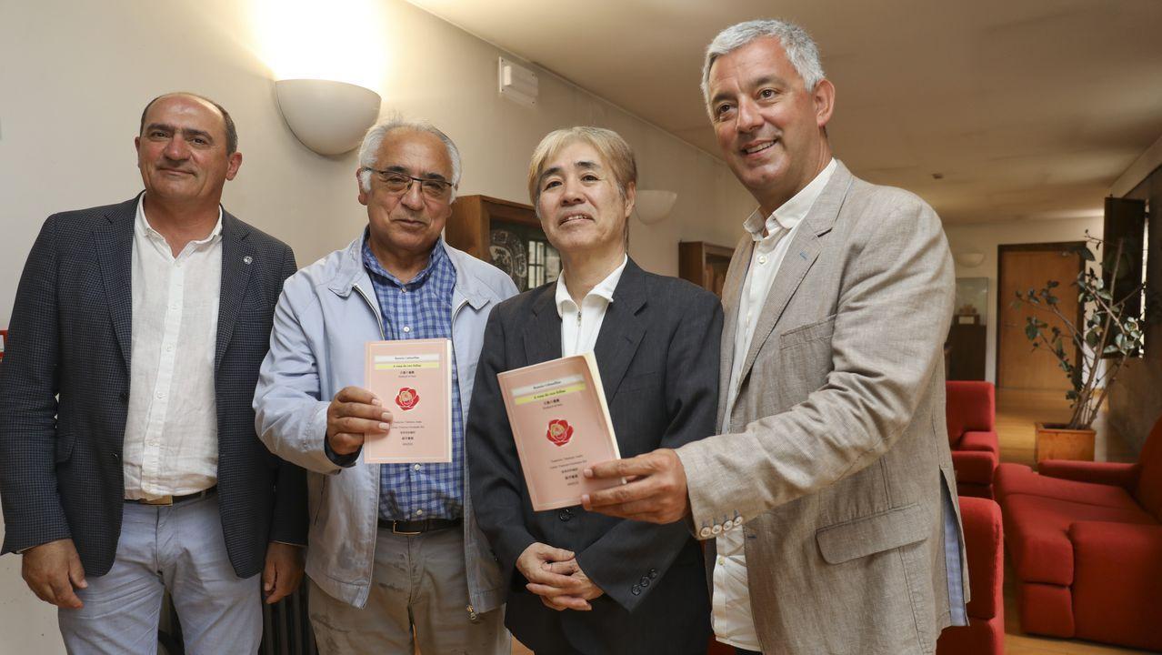 Takekazu Asaka recita «Aureana do Sil» en xaponés.El colegio Antonio Palacios (O Porriño) es uno de los pioneros de los programas de Teachers for Future