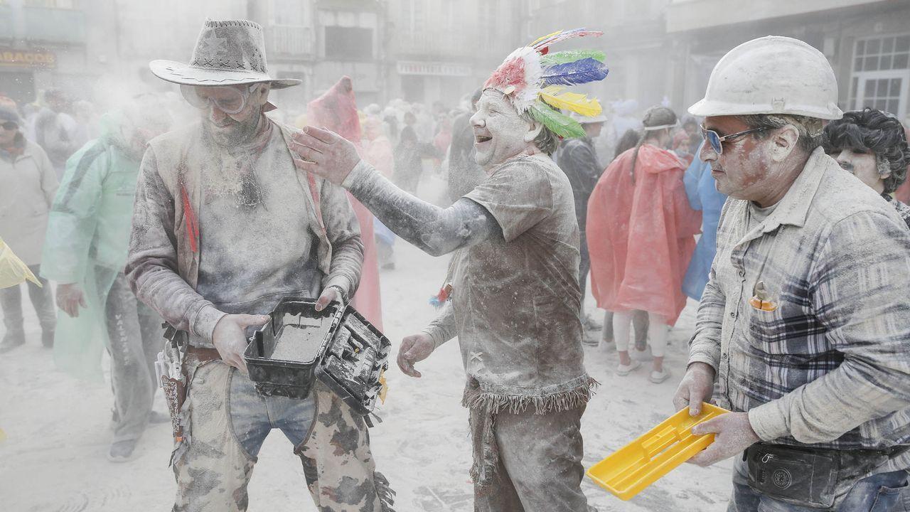 Seixalbo, por el medio ambiente.El editor de Infomotor Fernando Neira y los pilotos Oscar Palacio y José Antonio Fombona, junto a Iván Rodriguez ganador de la 25 edición del concurso de fotografía de la revista asturiana